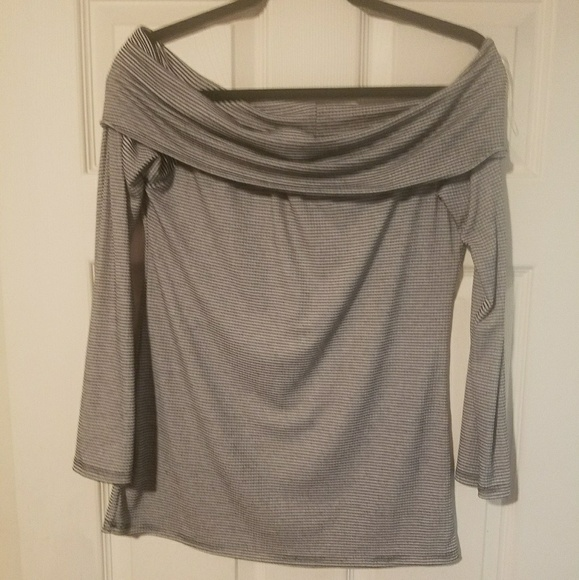 45bebd533f195d Acemi Tops - Acemi off the shoulder black and white shirt L